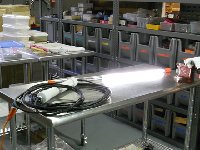 Tube light for extruder tubes